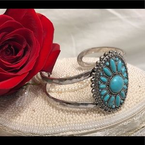 🔆 Lucky Brand turquoise cuff bracelet